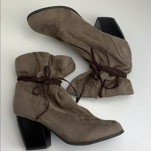 Faux Suede boots by Qupid